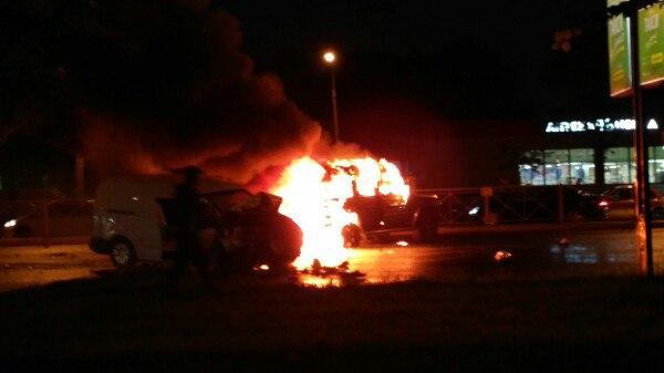 Двое сотрудников мвд пострадали в результате дорожной аварии во фрунзенском районе петербурга