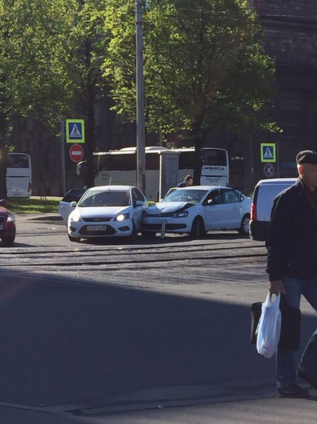 На Кронштадтской улице, Поло не уступил Фокусу.