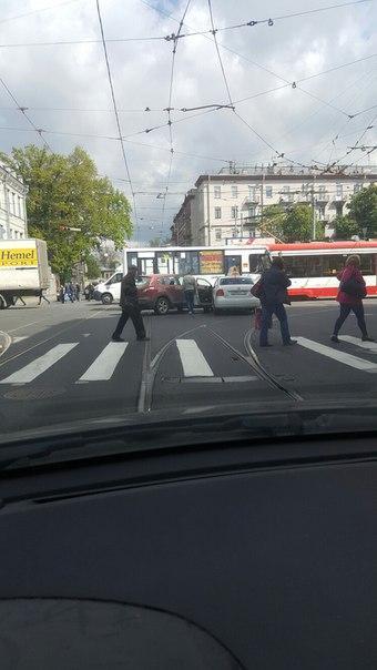 Дтп на перекрестке Академика Лебедева и Боткинская,