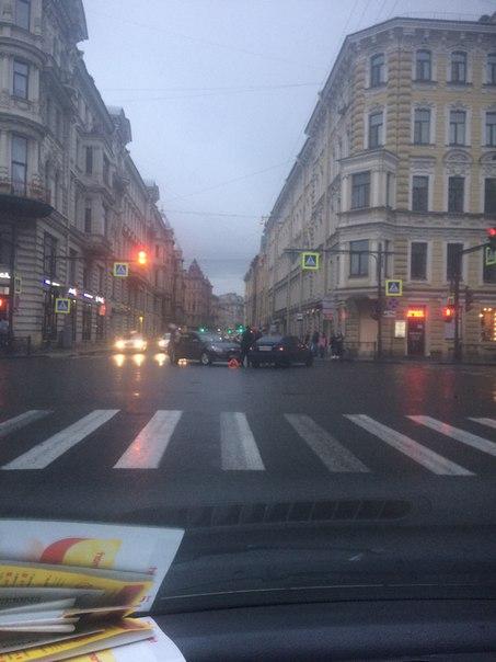 ДТП, на перекрёстке ул Некрасова и ул Восстания.