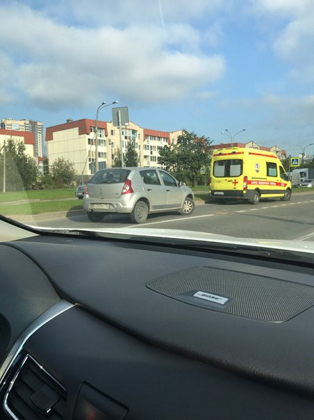 ДТП Парашютная после Новикова в сторону Сизова на ПП. Службы на месте.