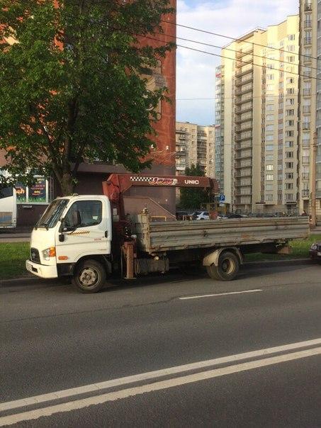 Ночью с 12 на 13 сентября с улицы Маршала Тухачевского угнали манипулятор на базе грузового автомоб...