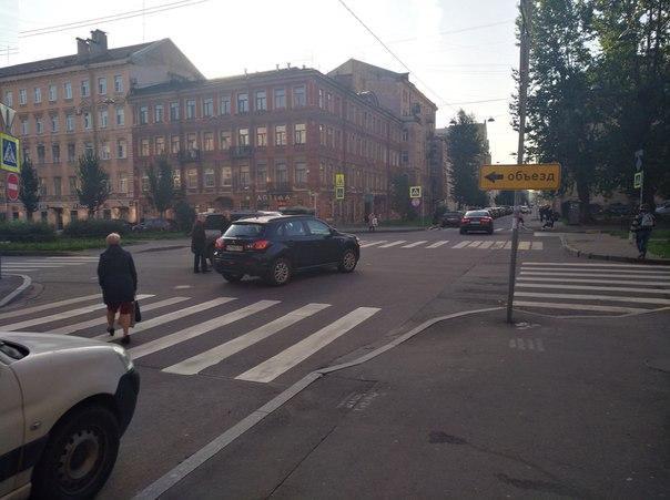 Выезжая с Серпуховской улицы на Клинский проспект Митцубиси не уступил Hyundai