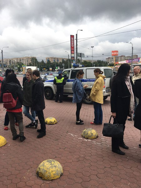 Эвакуация ТК Космос, на Типанова.