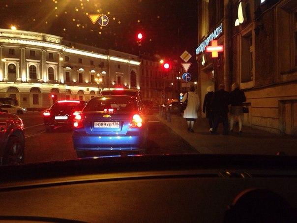 На Садовой, перед Невским