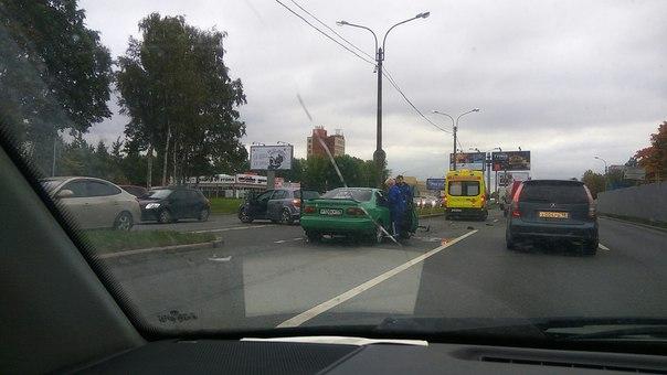 Руставели напротив ПТК.